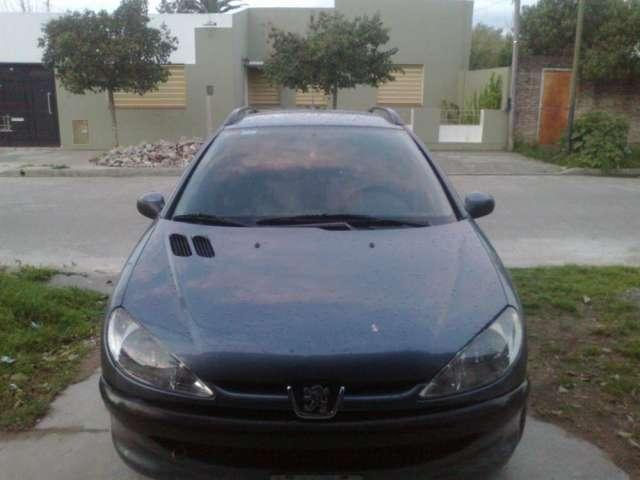 Vendo auto peugeot 206 sw confort año 2005