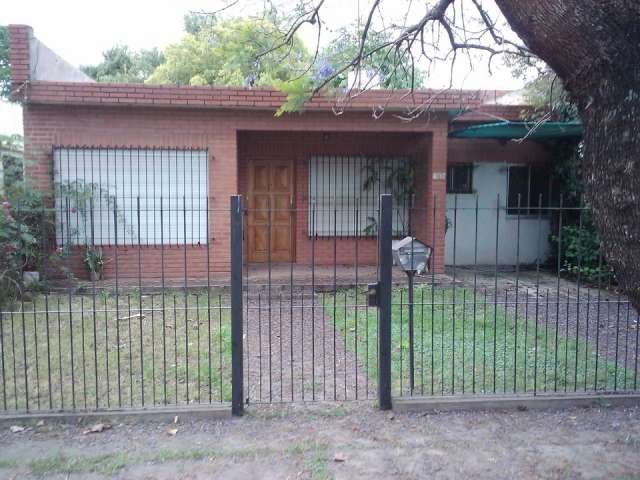 Alquilo casa 4 amb barrio el zorzal