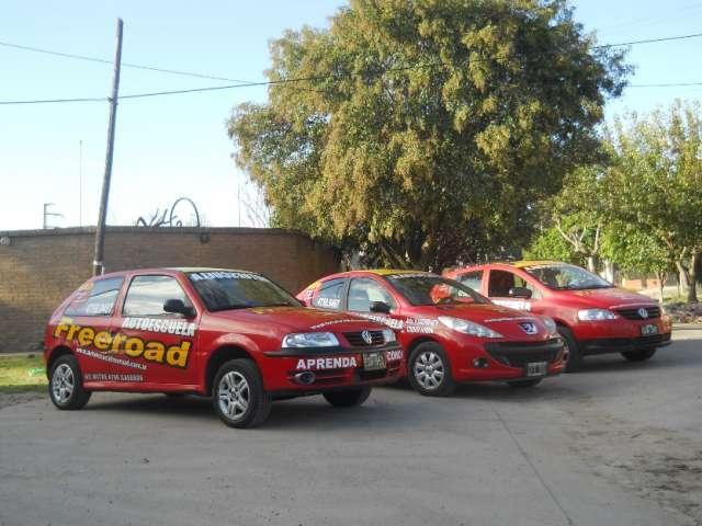 """Freeroad autoescuela s.r.l. """" clases a domicilio """" charlas de educación vial."""