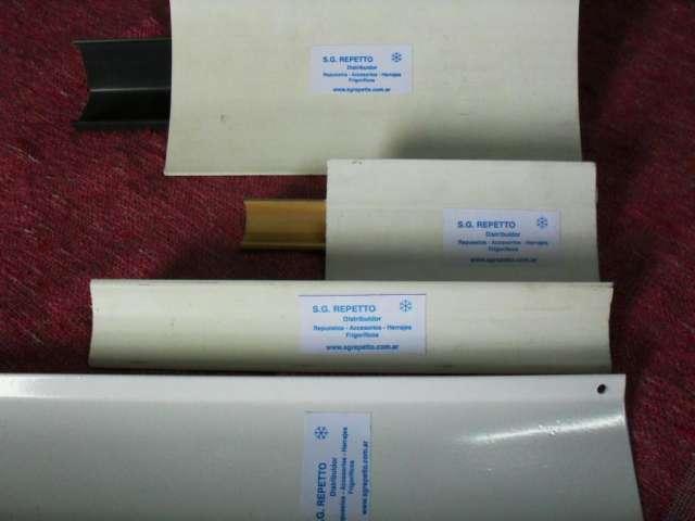 Zócalos sanitarios - perfiles de pvc y aluminio