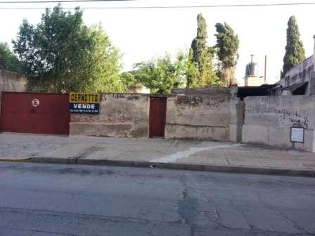 Terreno en venta para levantar edificio, sobre calle pellegrini
