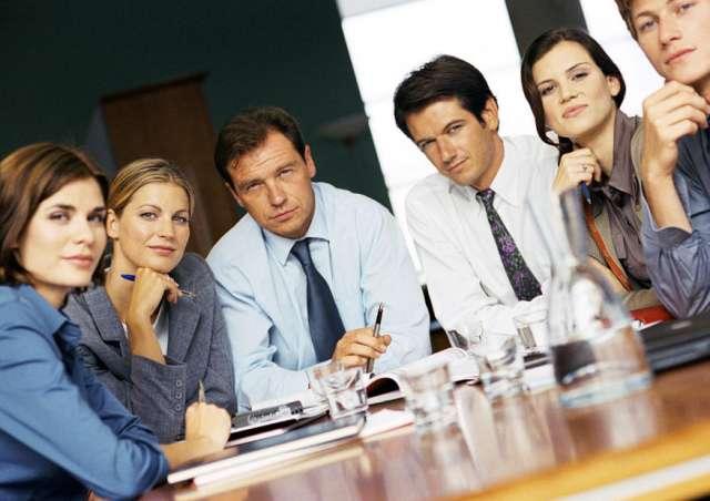 Curso de procedimiento y práctica en derecho laboral.