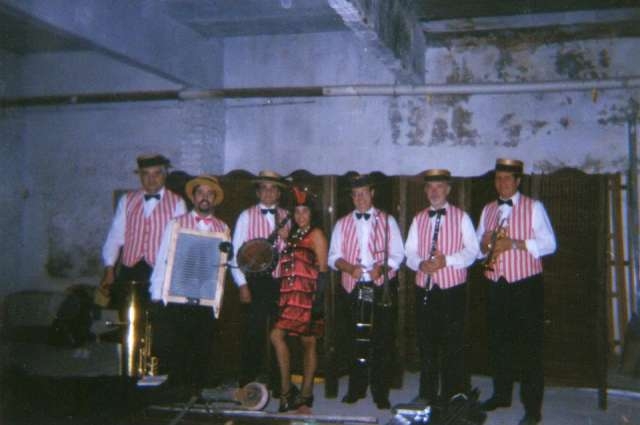 """urbana jazz dixieland band""para eventos"