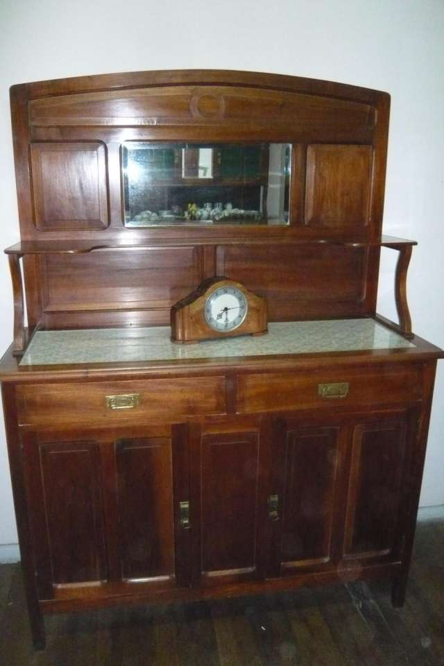 Vendo muebles antiguos de comedor y ropero en Comodoro Rivadavia ...