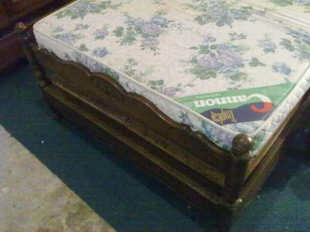 Ropero inglés año 1890, cómoda inglés, cama plaza y media vasco provenzal,etc.