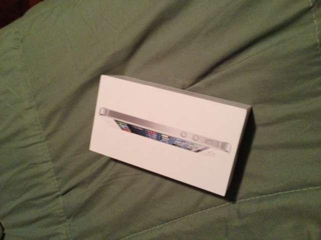 Iphone 5 16gb blanco + libre de fabrica + comprobante de apple + sellado