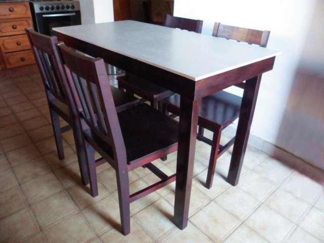 Juego comedor living mesa + 4 sillas de regalo