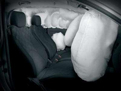 Sistemas de seguridad para autos desarrollados por mercedes benz, bmw, volvo y cadillac