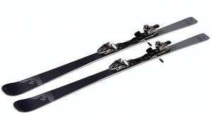 Tipos de esquies y recomendaciones a la hora de esquiar. atomic, dynastar y dynamic entre las mejores marcas