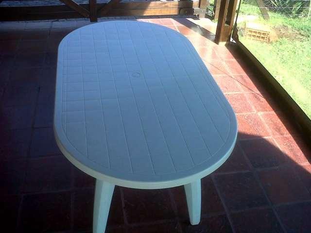 Vendo mesa platica super reforzada