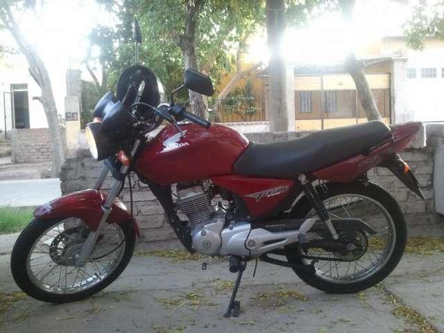 Vendo urgente moto honda titan 150 cg.muy buena