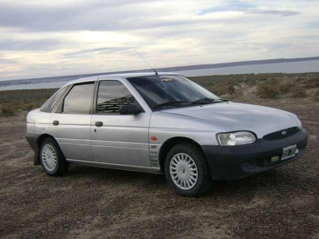 Vendo ford escort modelo 2001 $30.000