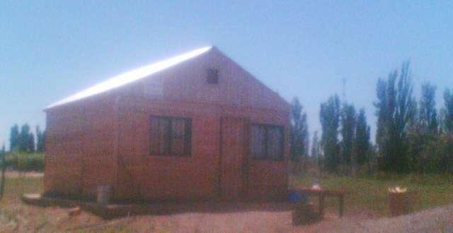 Vendo terreno con casa pre fabricada en lavalle