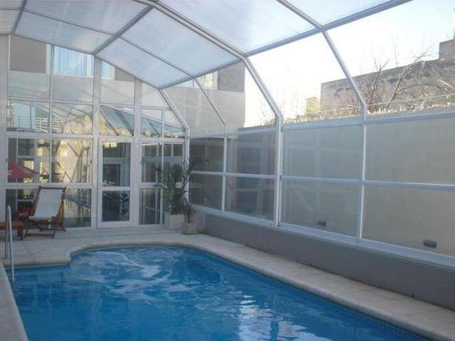 Cerramientos y techos móviles para piscina.