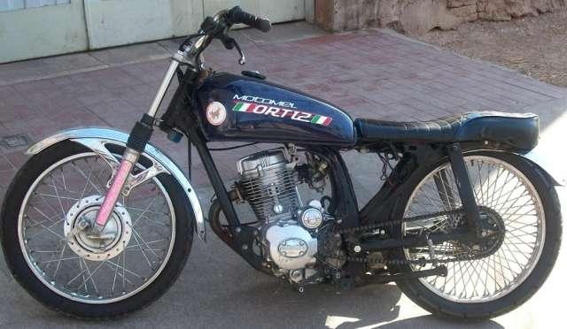 Vendo o permuto motomel cg 125cc.color azul.modelo 2010