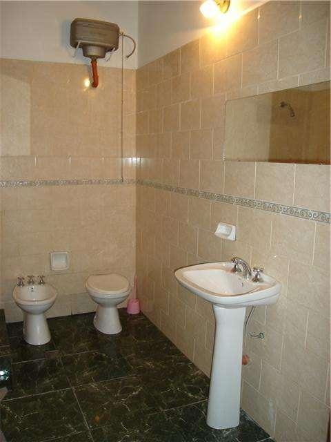 Www.hotelfamiliar.com.ar $2.500 x mes habitaciones con baño privado 4305-2276