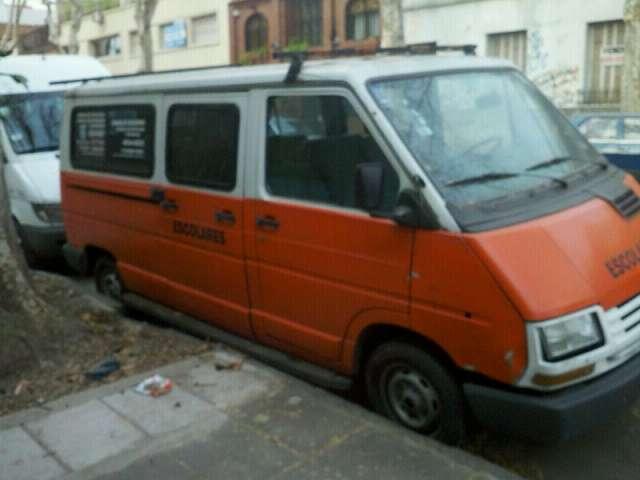 Vendo camioneta renault trafic- 1993- linea nueva-
