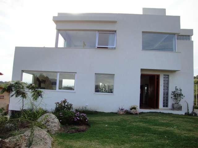 Excelente casa de categoría, con gran vista al lago, villa carlos paz,