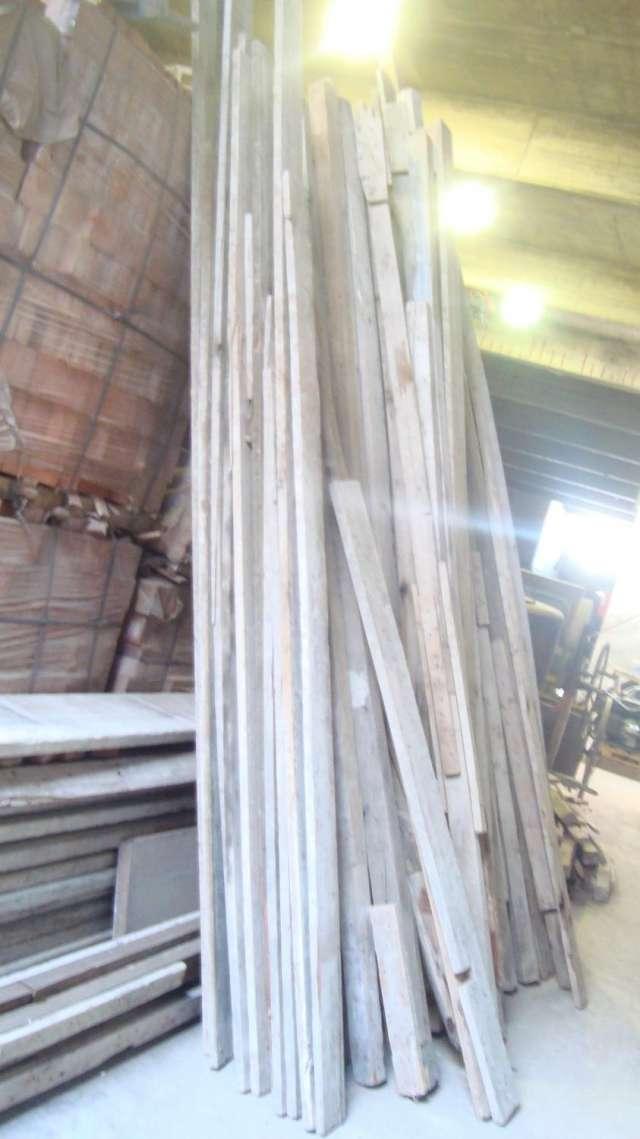 Se vende madera de obra usada para encofrados