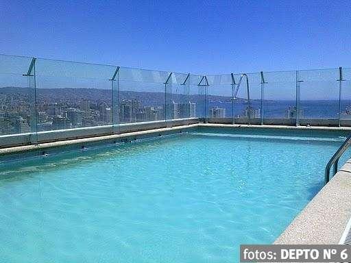 Arriendo viña 2 personas, pasos playa, terraza, tv cable, estacionamiento, piscina
