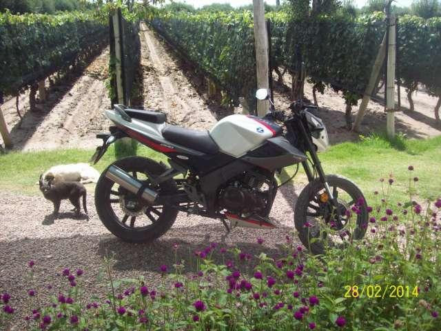 Fotos de Vendo urgente zanella rx 200 cc full modelo 2013 2