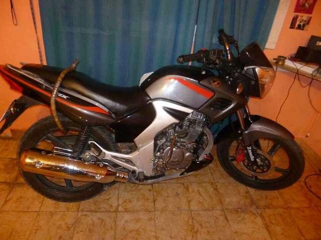 Moto zanella rx200. muy buen estado