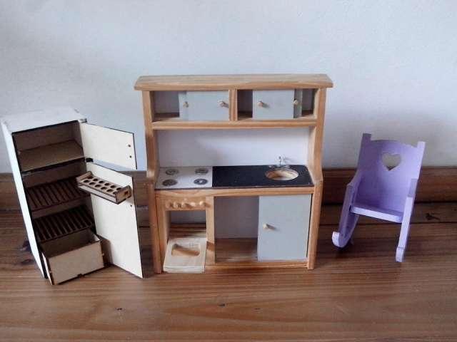 Casa barbie madera fuerte incluye muebles $ 330 156164-6032 en San ...