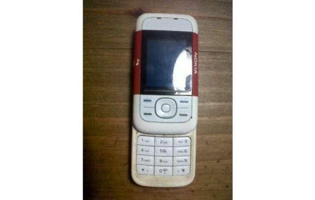 Nokia 5200 para repuesto y sus accesorios originales!!