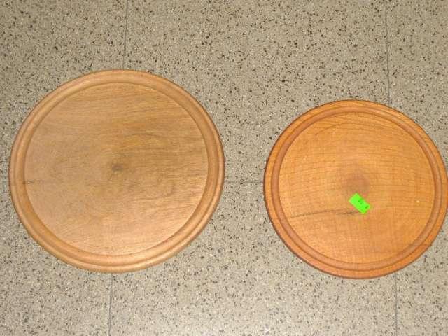 Platos de madera en calden ( simil algarrobo )