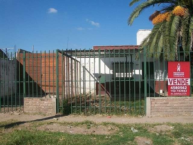 Casa 2 dor más terreno 150m2 sobre calle malagueño
