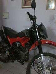Vendo moto motomel 250 enduro calle mod 2014 800kms $20500