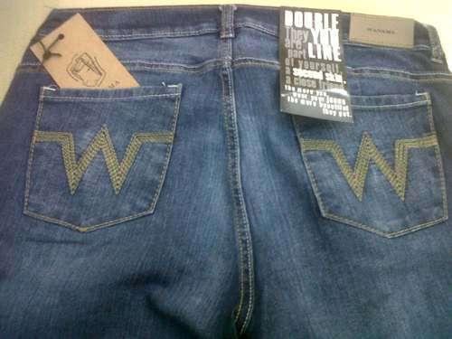 Venta por mayor de jeans adidas levis
