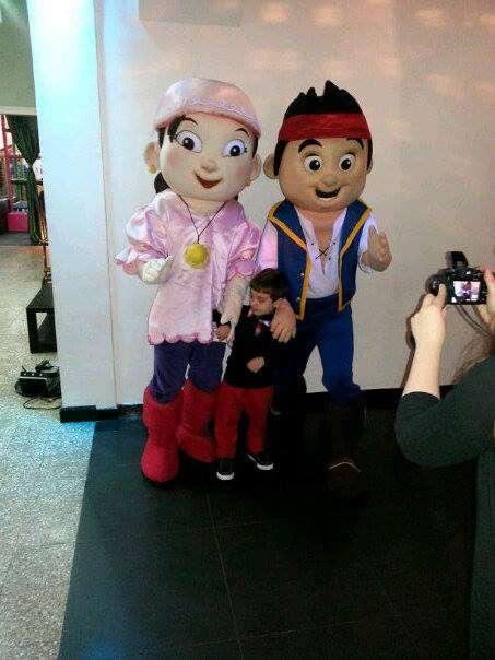 Show animacion jake e izzy piratas del nunca jamas. dia del niño