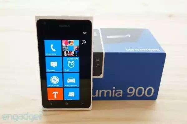Nokia lumia 900 blanco sin uso casi con garan tia personal completo