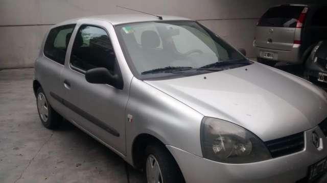 Renault clio 2 en exelente estado