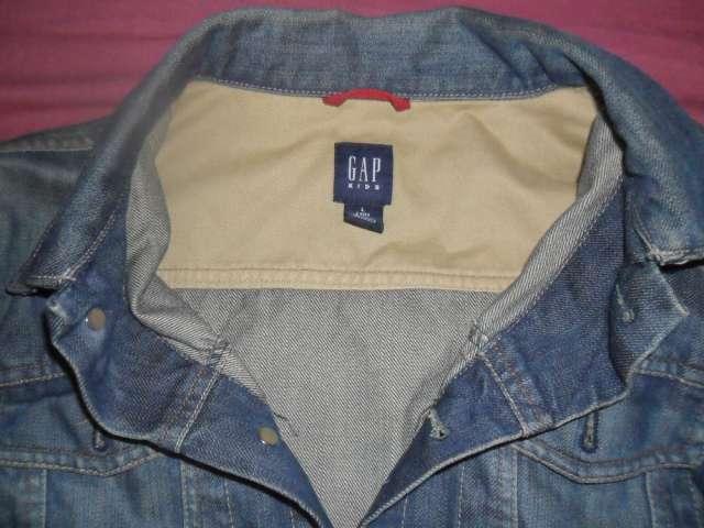 Campera jean azul gap