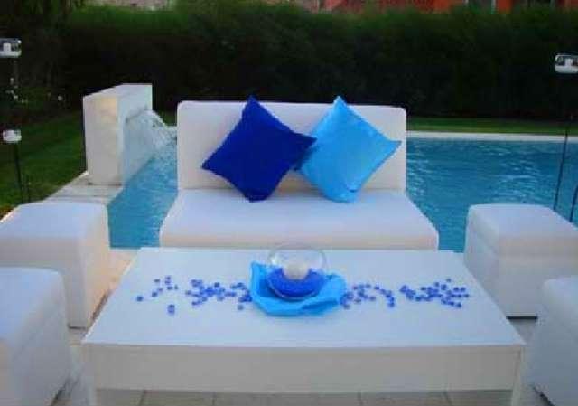 Alquiler de living puff sillones para fiestas eventos zona norte zona oeste capital federal 4383-7876 / 15-6442-5043