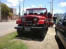Jeep ika diesel y caja de 4 de peugeot 504 90 muy bueno $29000