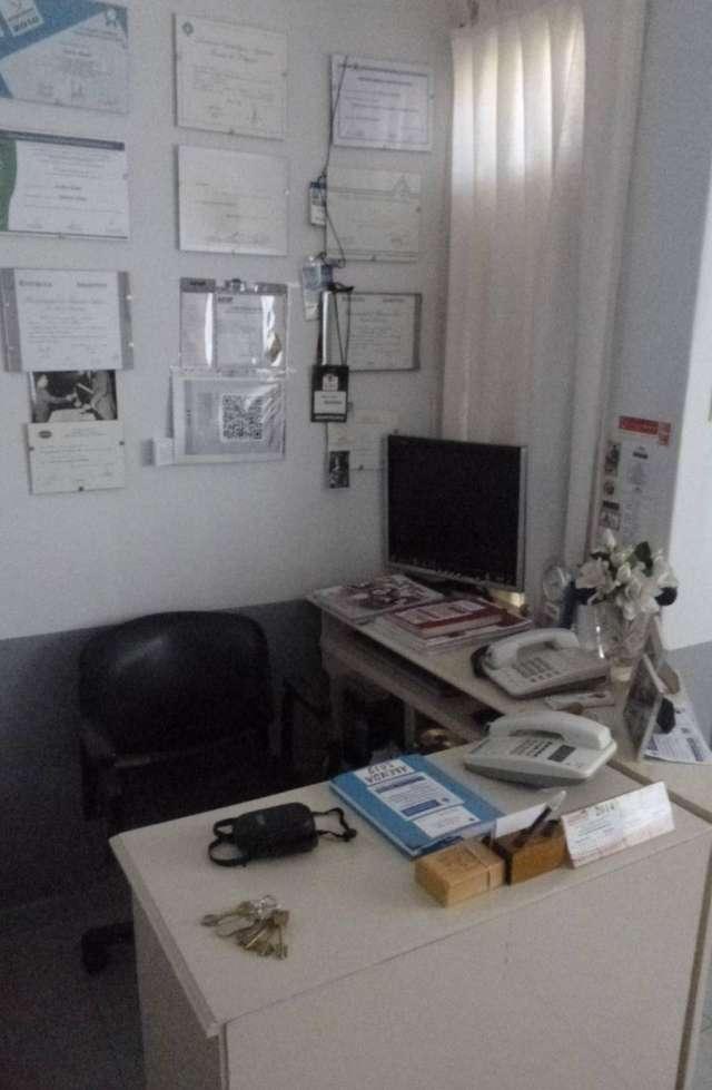 Servicios de salud dental protesis implantes piorrea
