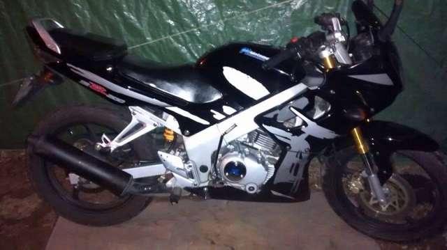 Busco trabajo con moto