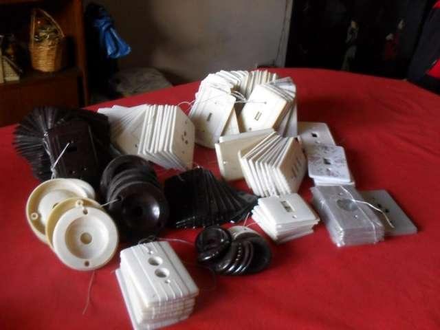 Tapas antiguas para llaves de luz ? tomas ? timbres - oportunidad para coleccionistas y decoradores ? por unidad o a granel