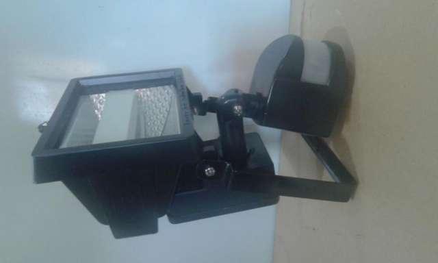 Reflector proyector 150w con sensor