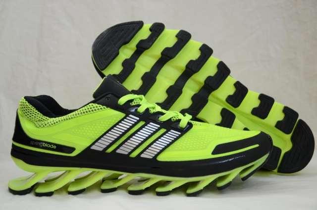 8dfd1218 Zapatillas adidas springblade en Colegiales - Artículos deportivos ...