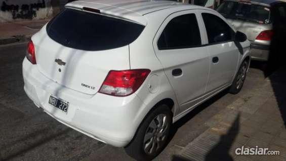 Publicación nueva! vendo chevrolet onix lt color blanco mod. 2013 impecable 30.000km alarma de la mejor calidad!