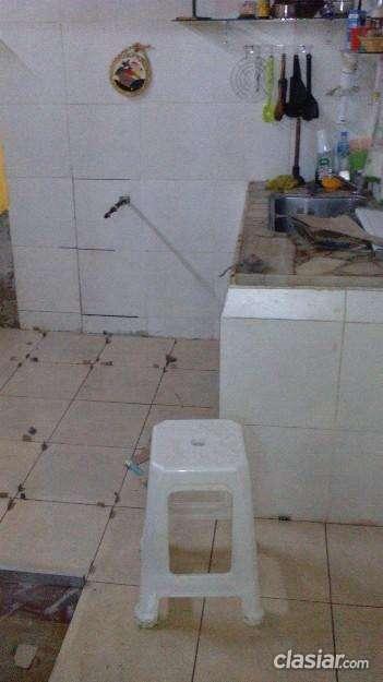 Urgente alquiler habitación construcción tradicional.