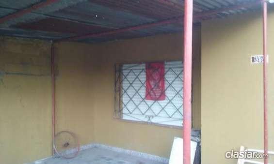 Fotos de Aviso urgente vendo casa en burzaco a 2 cuadras de yrigoyen y 2 cuadra de camino 1
