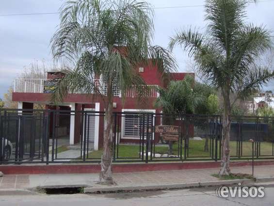 Muy linda casa en venta en carlos paz, con pileta y amplio parque. todos los servicios.