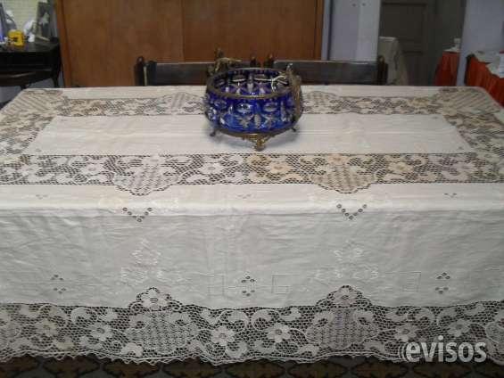 Mantel hilo y centro mesa cristal