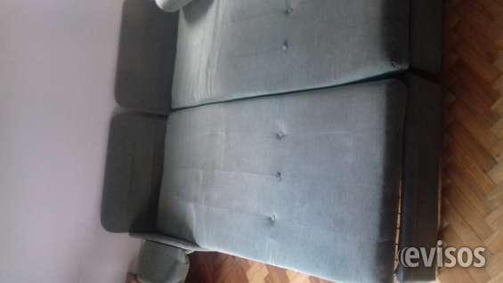 Una cama de dos plazas