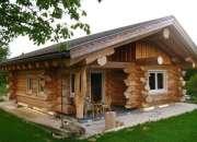 construccion de cabañas de tronco macizo estilo canadiense
